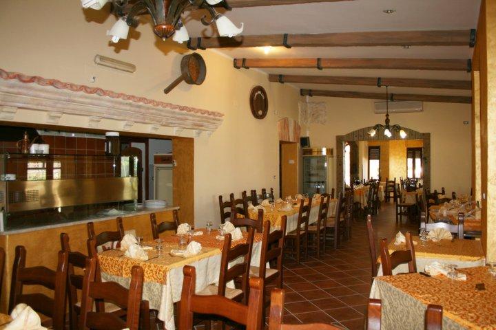 Interno ristorante pizzeria La Rambla - Conca della Campania